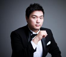 Woo Kyung Shin, Bariton