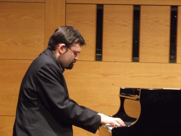 Dmitrij Romanov, Klavier