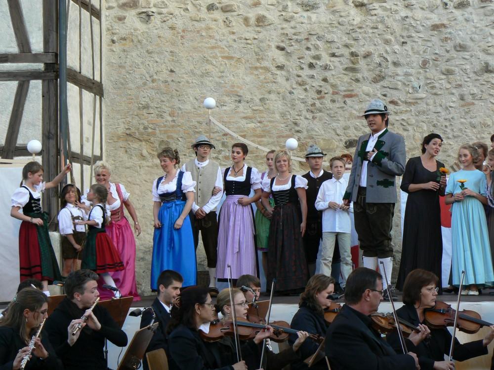 »Der Vogelhändler«, Freilichtbühne am Diebsturm, Isny (Foto: H. Peller)