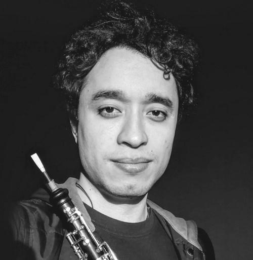 Akira Le Barrios, Oboe